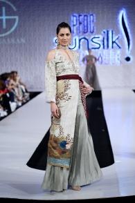 Shiza Hassan (23)