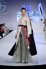Shiza Hassan (24)